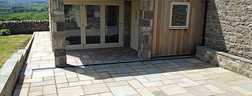 Large Patio with Paving